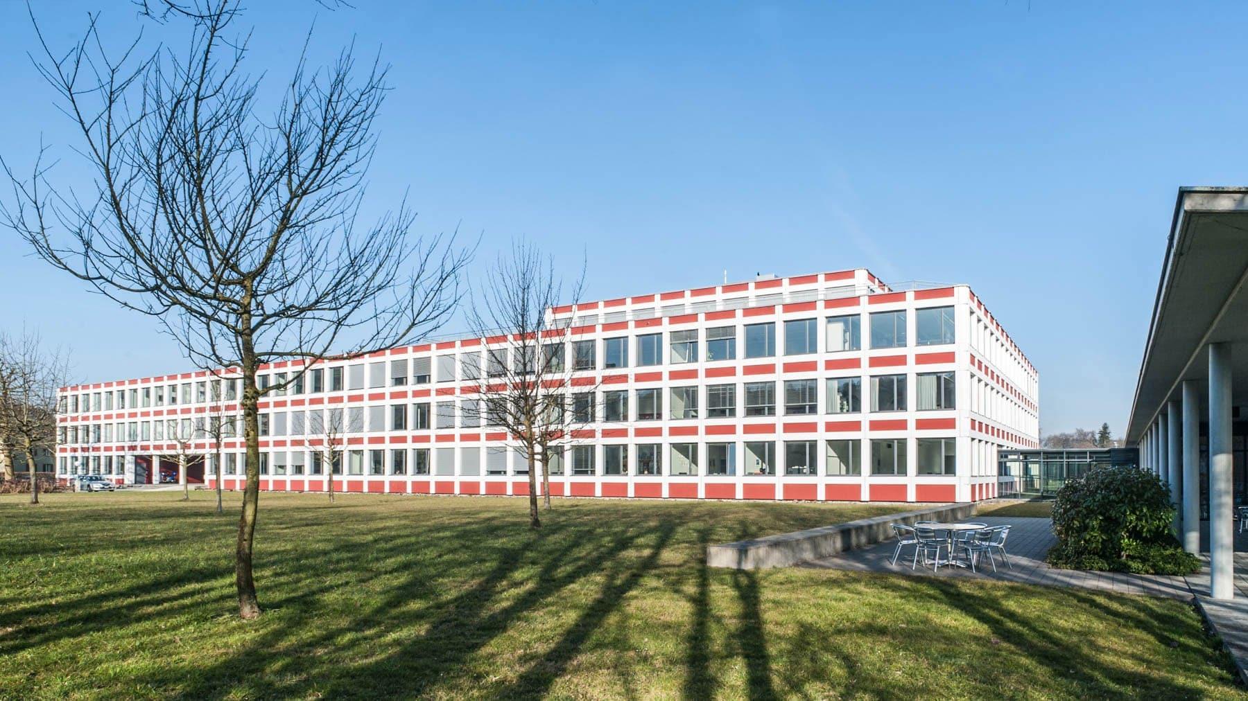 Delussu-Fotografie_Architektur_Kanti_Reussbuehl